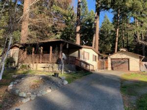 93 E Forest View Drive, Willow Creek, CA 95573