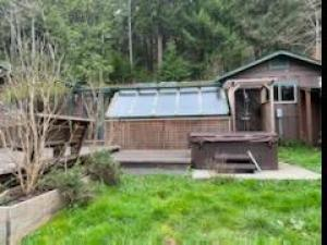 1030 Warren Creek Road, Arcata, CA 95521