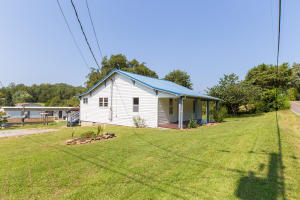 8900 Pine Ridge Rd, Knoxville, TN 37938
