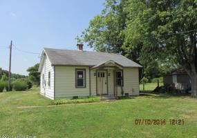 3802 Lees Ln, Louisville, Kentucky 40216, 2 Bedrooms Bedrooms, 5 Rooms Rooms,1 BathroomBathrooms,Residential,For Sale,Lees,1396115