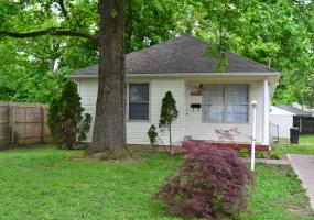 2417 Dexter Ave, Louisville, Kentucky 40216, 3 Bedrooms Bedrooms, 5 Rooms Rooms,2 BathroomsBathrooms,Residential,For Sale,Dexter,1532081