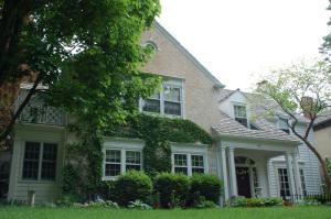 Property for sale at 345 Woodland Ln, Oconomowoc,  WI 53066