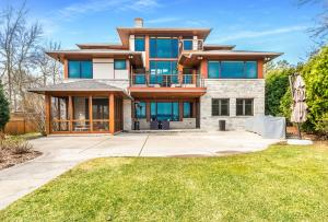 Property for sale at W296N2080 Glen Cove Rd, Pewaukee,  WI 53072