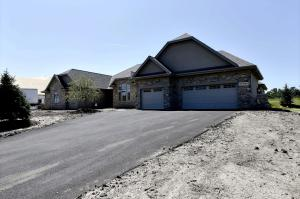Property for sale at N35W23699 Auburn Ct, Pewaukee,  WI 53072
