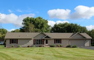 Property for sale at N7842 Maple Ridge Rd, Oconomowoc,  WI 53066