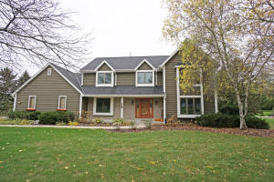 Property for sale at 1275 Shelly Ln, Hartland,  WI 53029