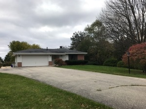 Property for sale at 417 S Meadow Ct, Summit,  WI 53066
