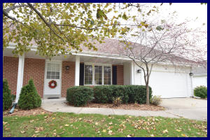 Property for sale at 528 Quinlan Dr, Pewaukee,  WI 53072