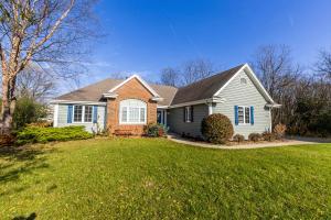 Property for sale at 1958 Hillcrest Dr, Delafield,  WI 53018