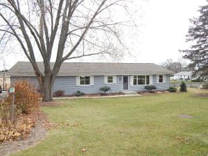Property for sale at N8340 Swansea Dr, Ixonia,  WI 53036