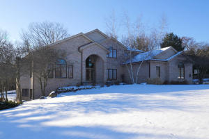 Property for sale at N17W30711 N Woodland Hill Dr, Delafield,  WI 53018