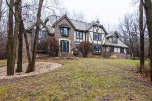 Property for sale at 1041 N Lost Woods Rd, Summit,  WI 53066