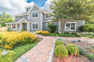 Property for sale at W384 N6088 Nokoma Dr, Oconomowoc,  WI 53066