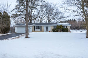 Property for sale at N64W30646 Beaver Lake Rd, Hartland,  WI 53029