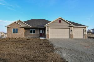 Property for sale at N8159 Bluebird Ct, Ixonia,  WI 53036