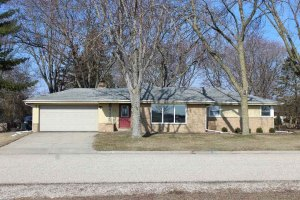 Property for sale at 1392 N Lapham St, Oconomowoc,  WI 53066