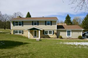 Property for sale at N52W35966 Country Club Ln, Oconomowoc,  WI 53066