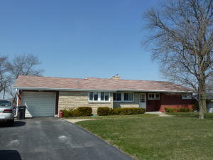 Property for sale at 343 Tower Ct, Pewaukee,  WI 53072