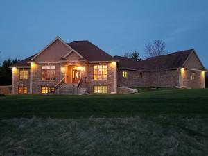 Property for sale at N78W37508 Tamarack Dr, Oconomowoc,  WI 53066