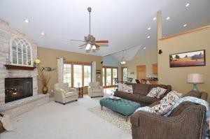 Property for sale at 206 Kestrel Way, Hartland,  WI 53029