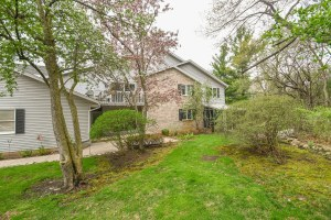 Property for sale at 2357 Quail Hollow Ct Unit: B, Delafield,  WI 53018