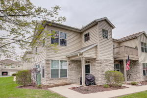 Property for sale at N16W26443 Meadowgrass Cir Unit: F, Pewaukee,  WI 53072