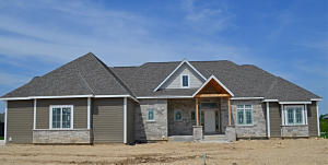 Property for sale at 1653 Whistling Hill Cir, Hartland,  WI 53029