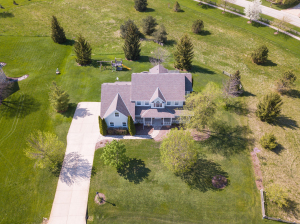 Property for sale at W289N4181 Farm Valley Ct, Pewaukee,  WI 53072