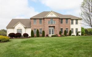 Property for sale at W288N6372 Darles Ct, Hartland,  WI 53029