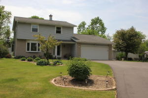 Property for sale at W291N8279 Parkview Ln, Hartland,  WI 53029