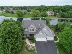 Property for sale at 550 W Red Pine Cir, Dousman,  WI 53118