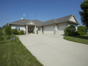 Property for sale at 135 Gaul Rd, Dousman,  WI 53118
