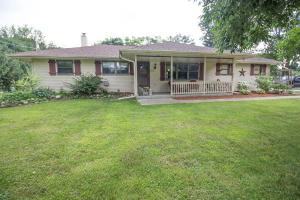 Property for sale at N39W22761 Grandview Dr, Pewaukee,  WI 53072