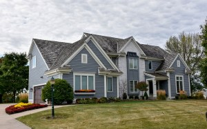 Property for sale at 1005 N Bluespruce Cir, Hartland,  WI 53029