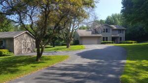 Property for sale at W310N1140 Bunker Hl, Delafield,  WI 53018