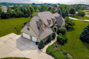 Property for sale at W283N4888 Roosevelts Quay, Pewaukee,  WI 53072