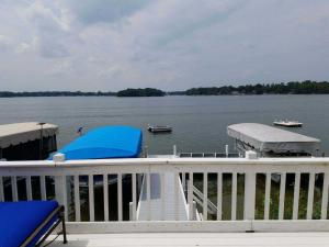 Property for sale at W343N6383 S Bayview Rd, Oconomowoc,  Wisconsin 53066