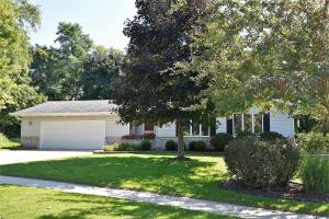 Property for sale at 705 York Imperial Dr, Oconomowoc,  WI 53066