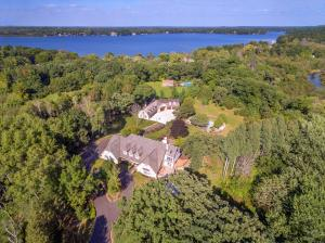 Property for sale at 3920 N Southwood Dr, Oconomowoc,  WI 53066