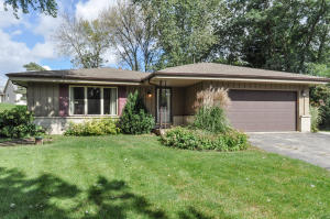 Property for sale at N65W28544 Hibritten Way, Hartland,  WI 53029