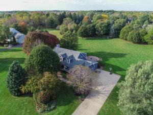 Property for sale at 721 Woodland Park Dr, Delafield,  WI 53018