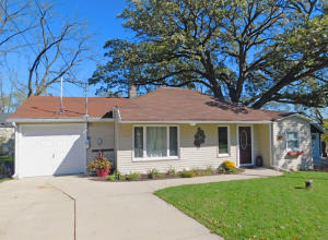 Property for sale at 1519 2nd St, Delafield,  WI 53018