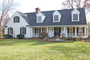 Property for sale at 336 Bark River Ct, Delafield,  WI 53018