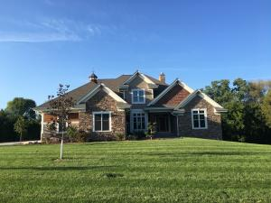Property for sale at N41W23416 Century Farm Rd, Pewaukee,  WI 53072