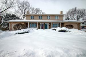 Property for sale at 327 Willow Grove Dr Unit: B, Pewaukee,  WI 53072