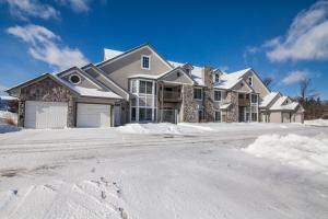 Property for sale at N30W23027 Pine View Cir Unit: 2, Pewaukee,  WI 53072
