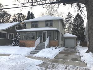 Property for sale at 406 S Worthington St, Oconomowoc,  WI 53066
