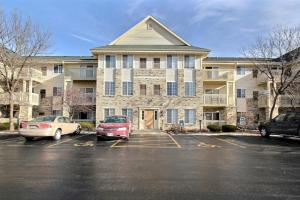 Property for sale at 520 Windstone Dr Unit: 206, Hartland,  WI 53029