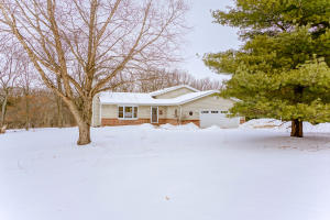 Property for sale at W345S3681 Moraine Hills Dr, Dousman,  WI 53118