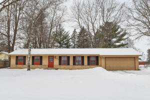 Property for sale at 875 Wildwood Pl, Oconomowoc,  WI 53066